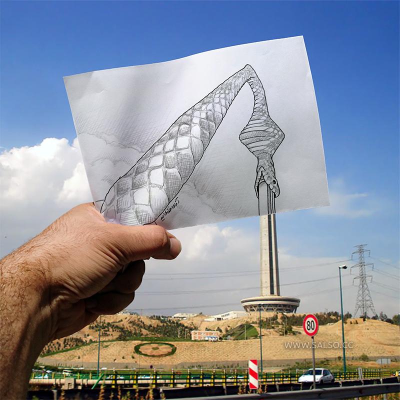 مار کبری در حال بلعیدن برج میلاد