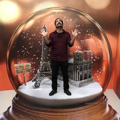 استیکر سه بعدی گوی برفی پاریس
