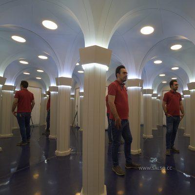 تالار آینه(دالان بینهایت)