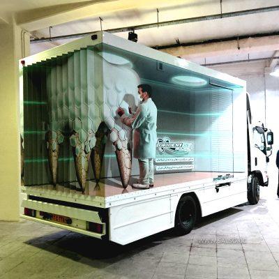 استیکر سه بعدی روی کامیون دندان پزشکی